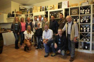 vendemmia solidale_il gruppo di Revert e Edipo Re con la famiglia Balbinot, Sammy Basso, Luca Zaia e Andrea Ciccolella