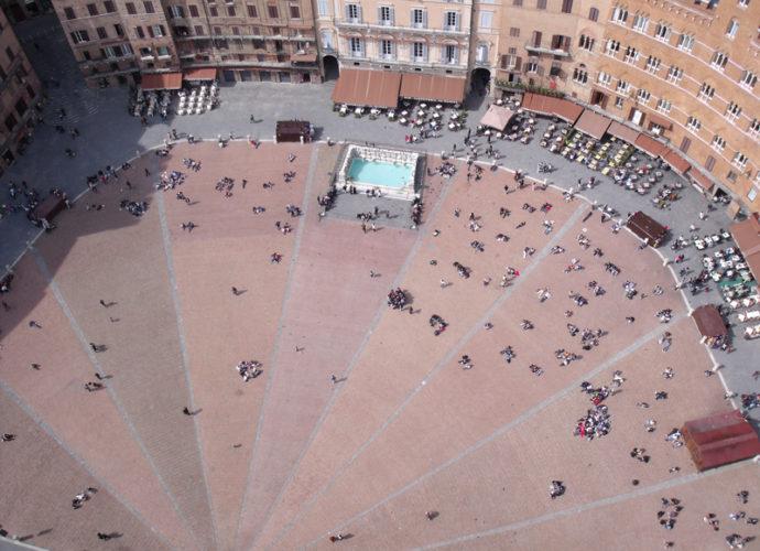 Piazza-del-Campo-copertina