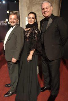 Ieva Lykos con il marito Carlo Fusco e un attore
