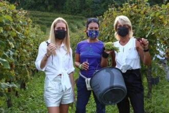 Giusy Versace (al centro) con Silvana Ceschin e Anna Balbinot - Foto Galifi