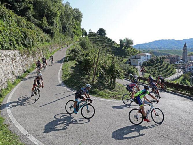 Prosecco-Cycling_Discesa-tra-le-colline-cop