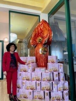 Uovo gigante Villa Giulia con la dott.ssa Ivonne Capelli