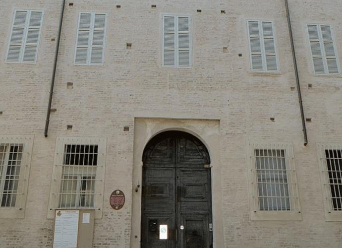 Palazzo-Tarasconi-(Parma)-facciata-cop