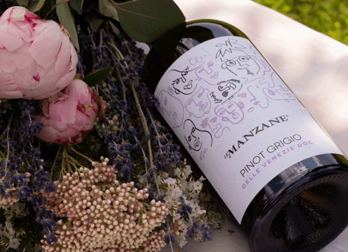 Pinot-Grigio-etichetta-e-fiori-cop