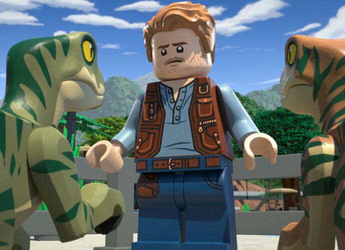 Lego-Jurassic-World-cop