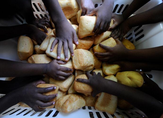 HAITI_l-pane-prodotto-a-Francisville---la-citta`-dei-mestieri-NPH_ph-Stefano-Guindani-cop